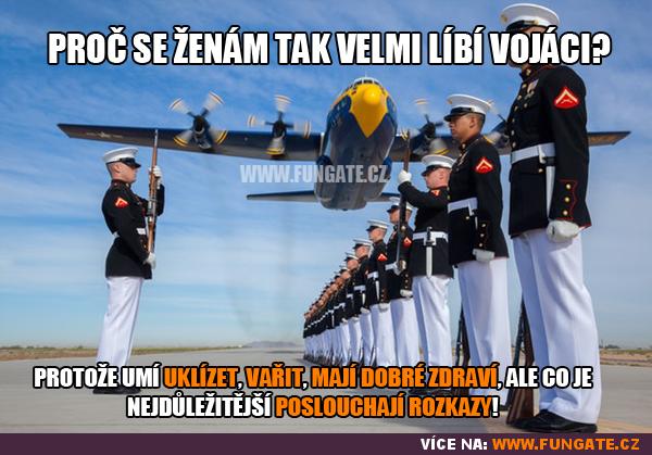 Proč se ženám tak velmi líbí vojáci?